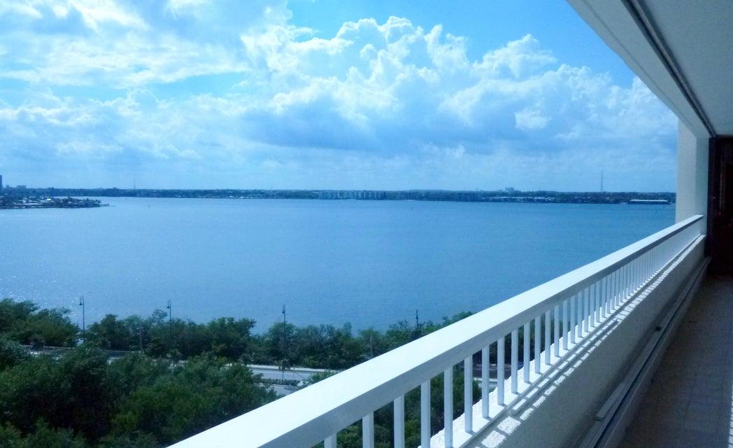 Cooperativa / condomínio para Locação às 5280 N Ocean Drive 5280 N Ocean Drive Singer Island, Florida 33404 Estados Unidos