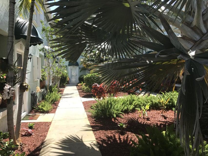 424 Waterside Drive 424, Hypoluxo, FL 33462