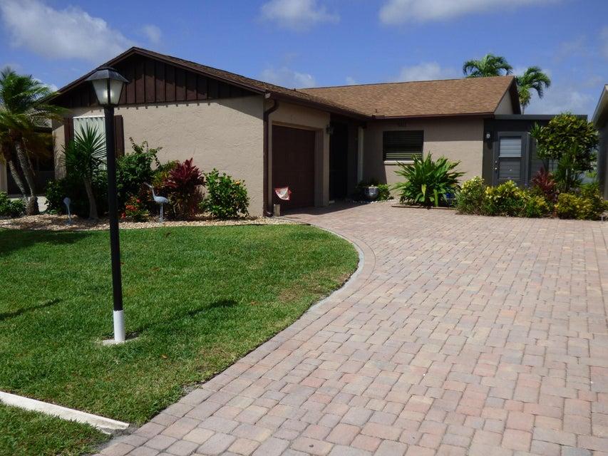 5815 Mirror Lakes Boulevard, Boynton Beach, FL 33472