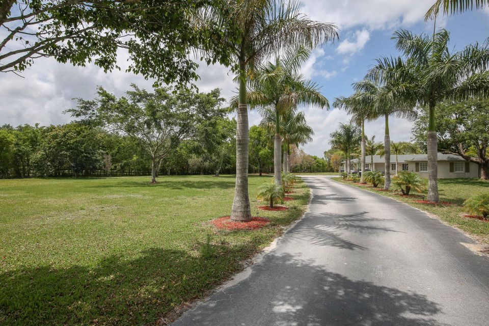 16627 Deer Path Lane, Wellington, FL 33470