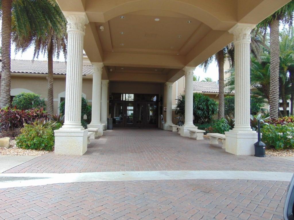 8210 Sandpiper Glen Drive, Lake Worth, FL 33467