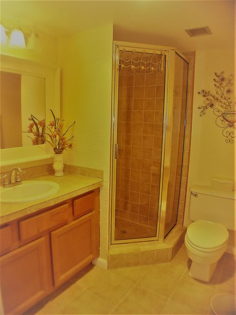 2nd bathroom a