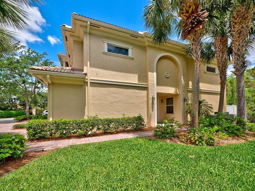 合作社 / 公寓 为 销售 在 12535 SE Old Cypress Drive 12535 SE Old Cypress Drive Hobe Sound, 佛罗里达州 33455 美国