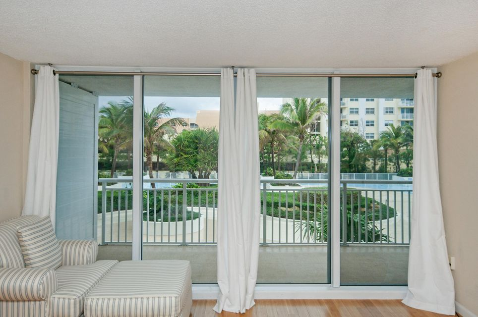 Additional photo for property listing at 3546 S Ocean Boulevard 3546 S Ocean Boulevard Palm Beach, Florida 33480 United States