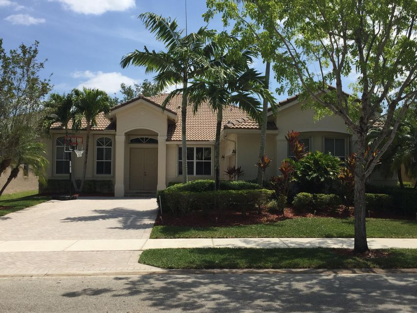 1366 Crossbill Court, Weston, FL 33327