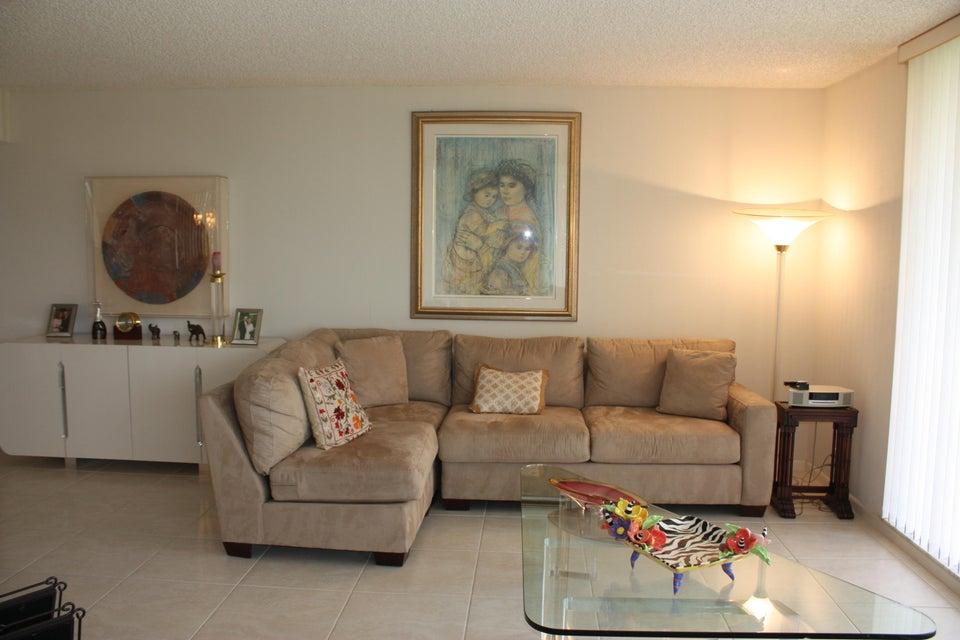 5257 Fountains Drive 405  Lake Worth FL 33467