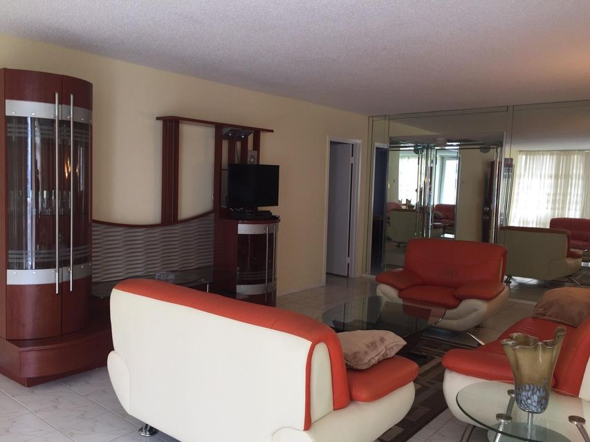 231 174th Street 1511, Sunny Isles Beach, FL 33160
