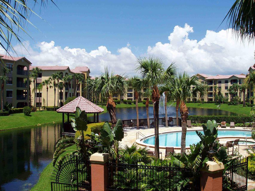 Co-op / Condo for Sale at 700 Uno Lago Drive 700 Uno Lago Drive Juno Beach, Florida 33408 United States