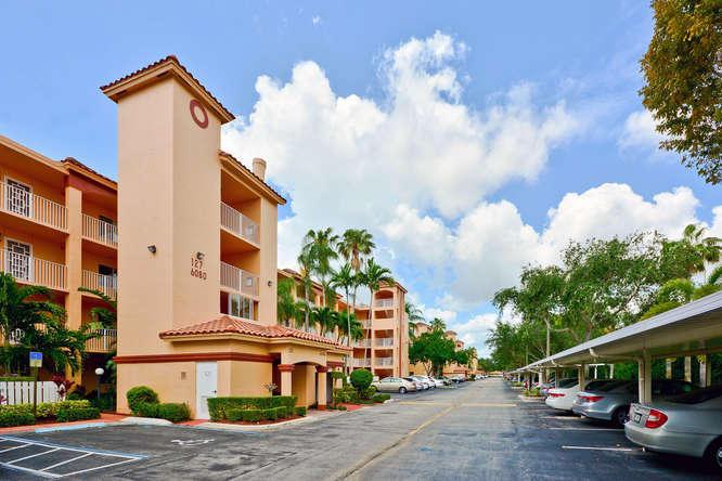 6080 Huntwick Terrace 406, Delray Beach, FL 33484