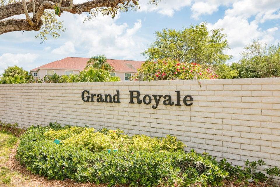 300 Grand Royale Circle 205, Vero Beach, FL 32962
