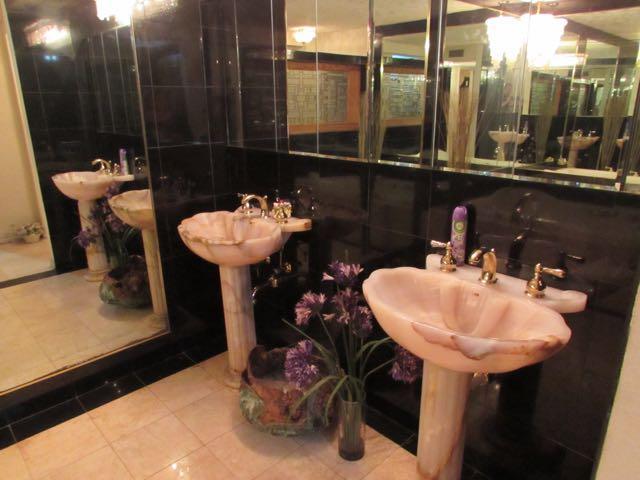 master bath dual marble pedestals