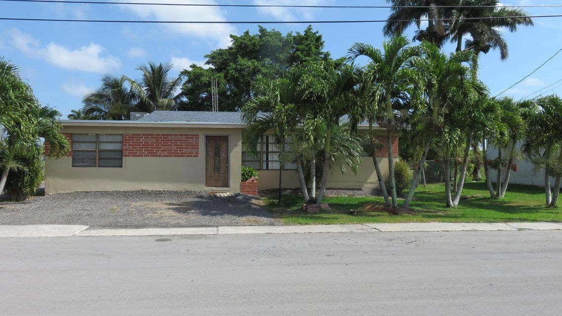 2585 SW 14th Street, Pahokee, FL 33476