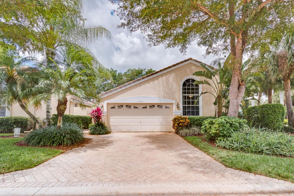 4790 Carlton Golf Drive, Wellington, FL 33449
