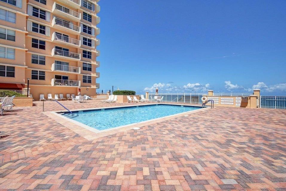 Konsum / Eigentumswohnung für Verkauf beim 4511 S Ocean Boulevard 4511 S Ocean Boulevard Highland Beach, Florida 33487 Vereinigte Staaten