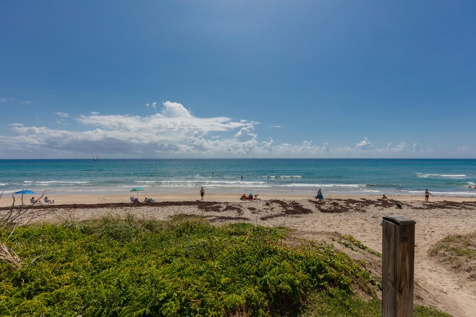 Additional photo for property listing at 400 S Ocean Boulevard 400 S Ocean Boulevard Palm Beach, Florida 33480 United States