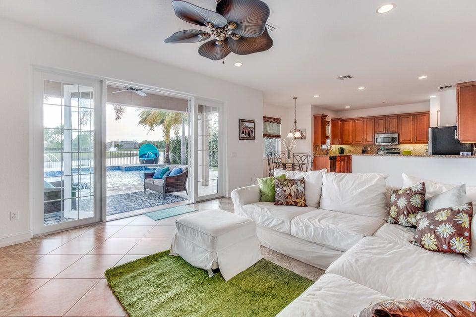 8339 Emerald Winds Circle Boynton Beach, FL 33473 - photo 16