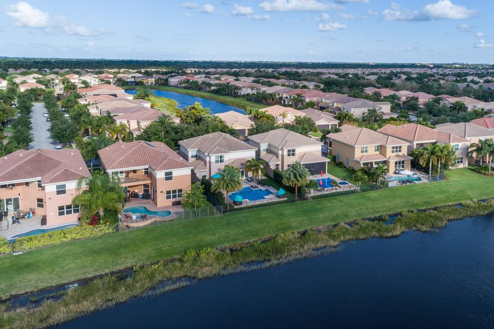 8339 Emerald Winds Circle Boynton Beach, FL 33473 - photo 41