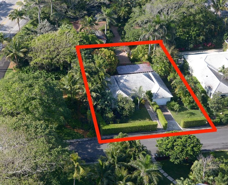 Single Family Home for Sale at 210 Miraflores Drive 210 Miraflores Drive Palm Beach, Florida 33480 United States
