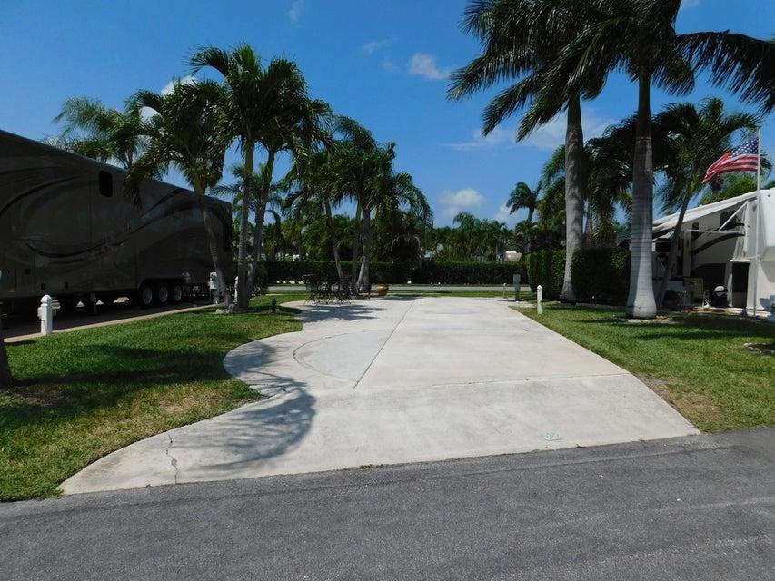Terreno por un Venta en 6500 N Military Trail 6500 N Military Trail Riviera Beach, Florida 33407 Estados Unidos
