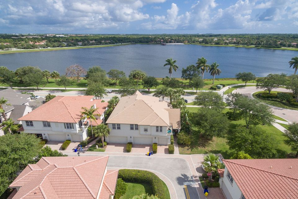 151 Evergrene Parkway Palm Beach Gardens Fl 33410 Mls Rx 10331744 300 000 Mansions At