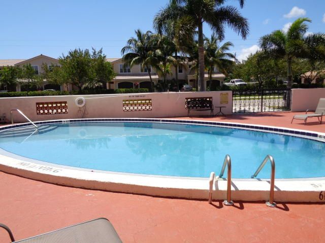 Additional photo for property listing at 331 SW 8th Street 331 SW 8th Street Boca Raton, Florida 33432 Vereinigte Staaten
