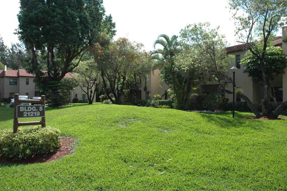 21219 Lago Circle I, Boca Raton, FL 33433