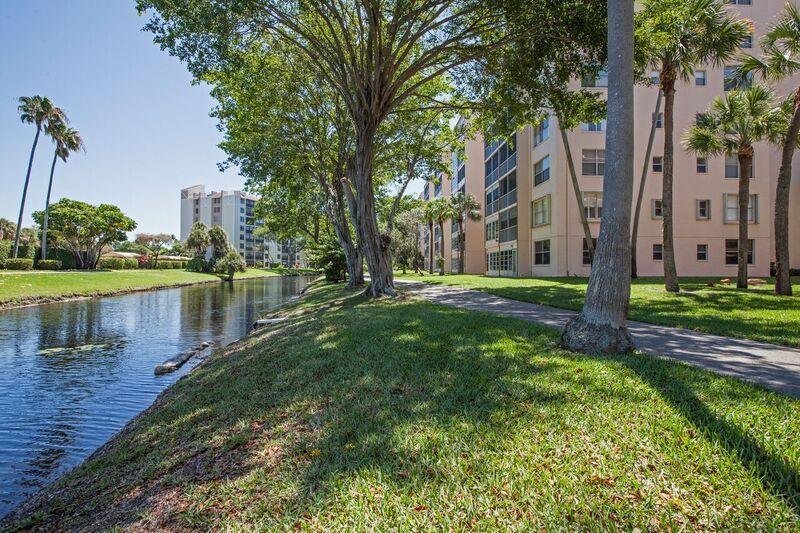 Konsum / Eigentumswohnung für Verkauf beim 14527 Bonaire Boulevard 14527 Bonaire Boulevard Delray Beach, Florida 33446 Vereinigte Staaten