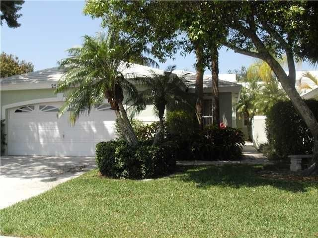 Home for sale in Lakefield South Wellington Florida