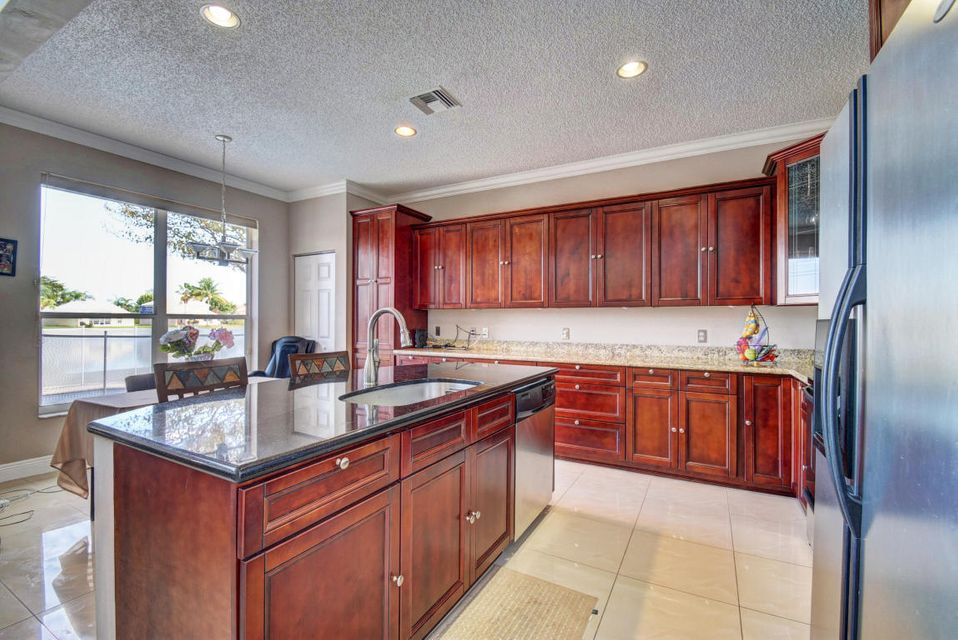 10854 Tamoron - Kitchen Island