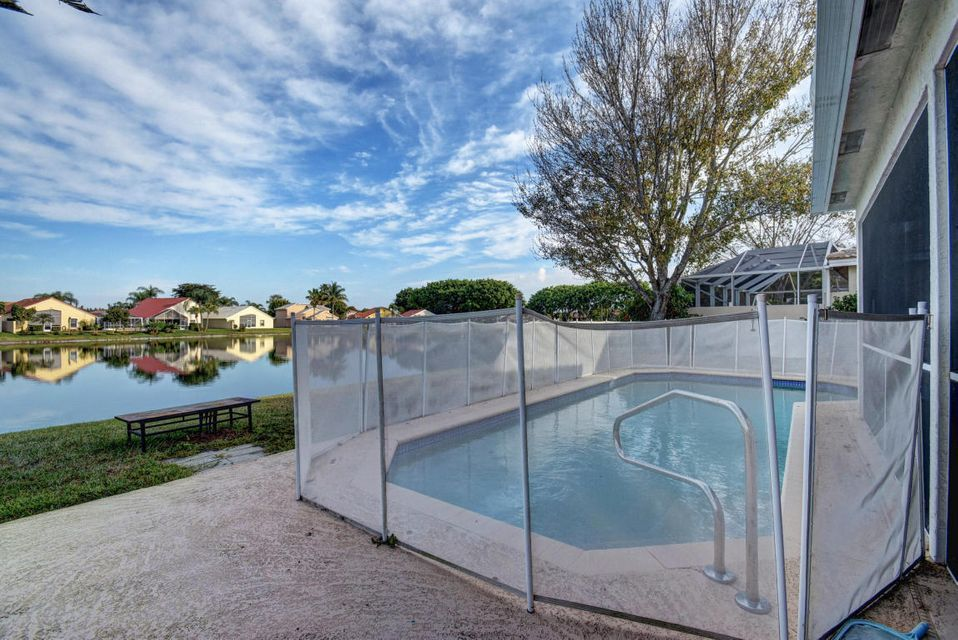 10854 Tamoron - Pool