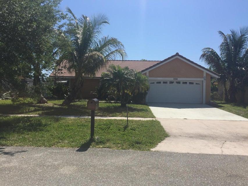 5133 E Woodstone Circle, Greenacres, FL 33463