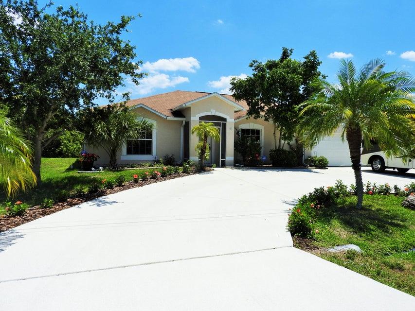 1673 SW Paddock Street, Port Saint Lucie, FL 34987