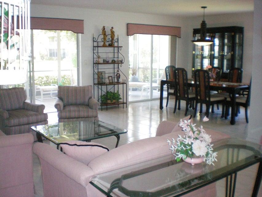 9757 Seacrest Circle 102, Boynton Beach, FL 33437