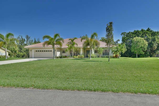 9207 Winding Woods Drive, Lake Worth, FL 33467
