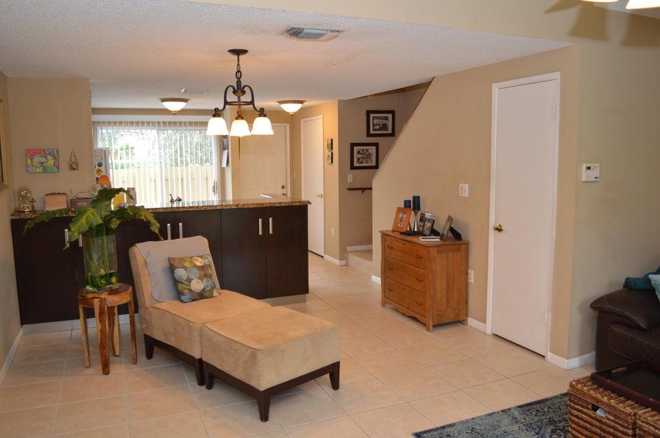 824 E Jeffery Street, Boca Raton, FL 33487
