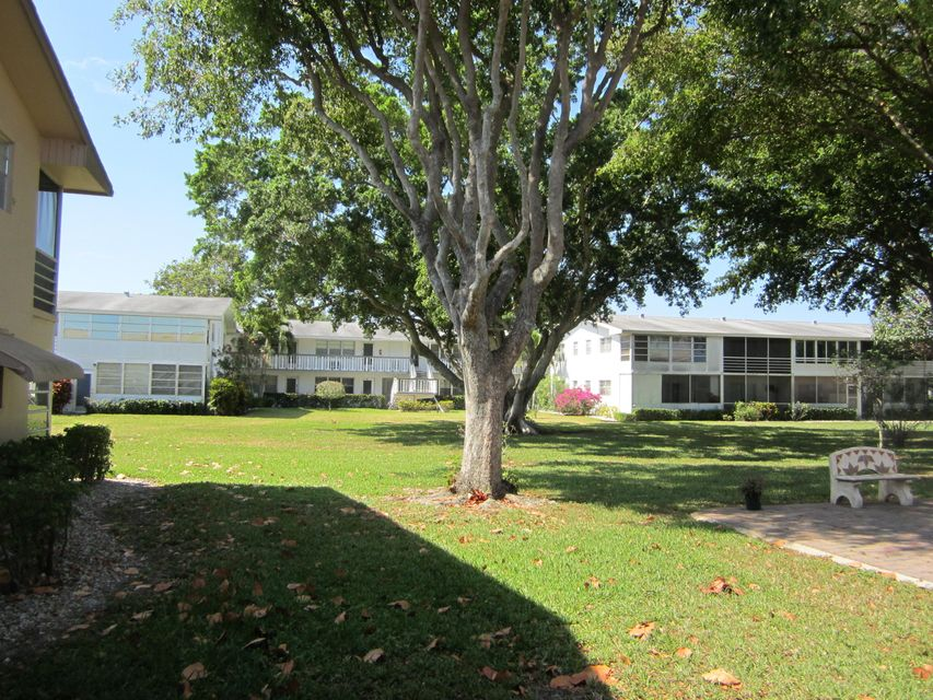 Additional photo for property listing at 84 Canterbury D  West Palm Beach, Florida 33417 États-Unis