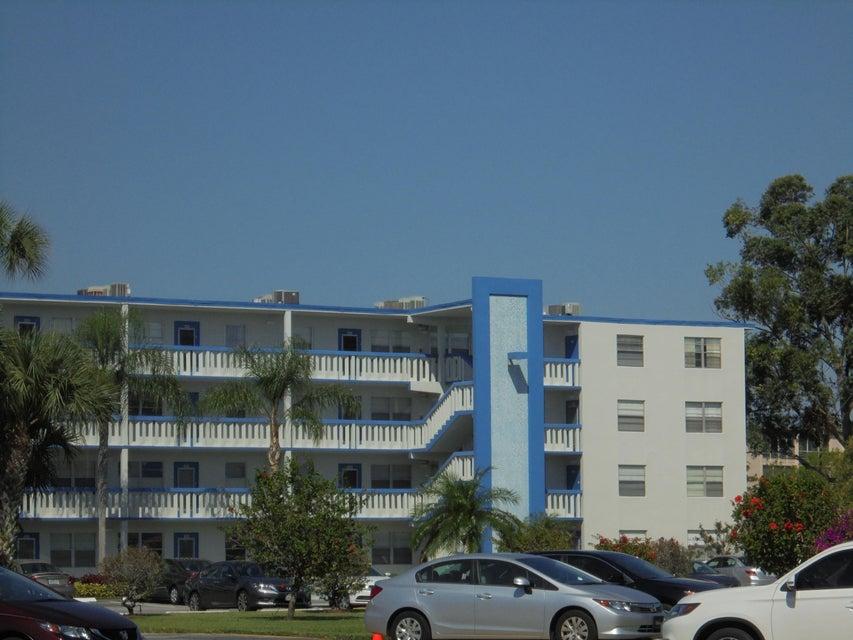 4021 Lincoln B  Boca Raton FL 33434