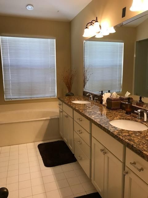 Additional photo for property listing at 205 Eagleton Estate Boulevard 205 Eagleton Estate Boulevard Palm Beach Gardens, Florida 33418 United States