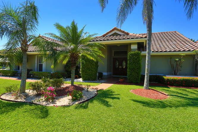 5914 Newport Village Way, Lake Worth, FL 33463