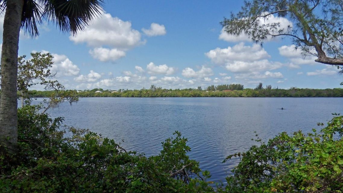 Single Family Home for Sale at 1033 SE Mitchell Avenue 1033 SE Mitchell Avenue Port St. Lucie, Florida 34952 United States