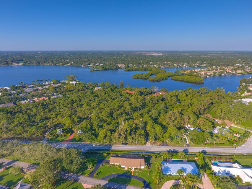 Additional photo for property listing at 19000 SE Country Club Drive 19000 SE Country Club Drive Tequesta, Florida 33469 United States