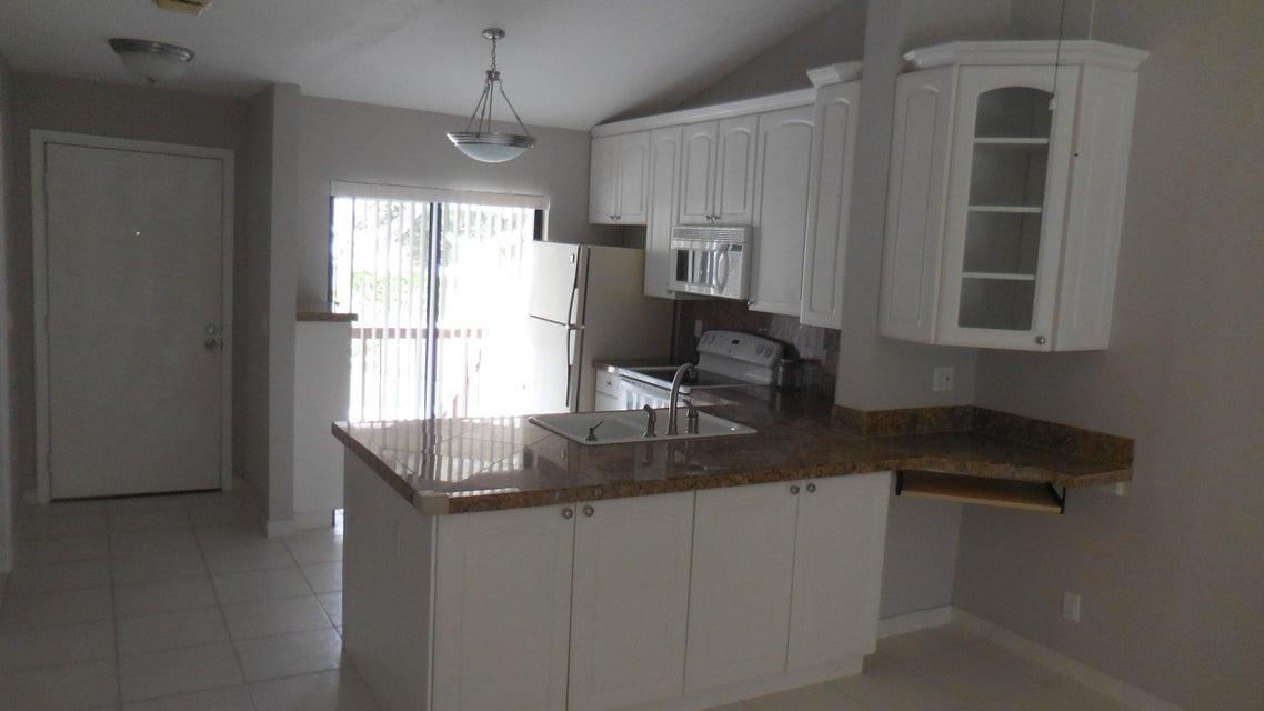 3939 NE 5th Avenue C202, Boca Raton, FL 33431