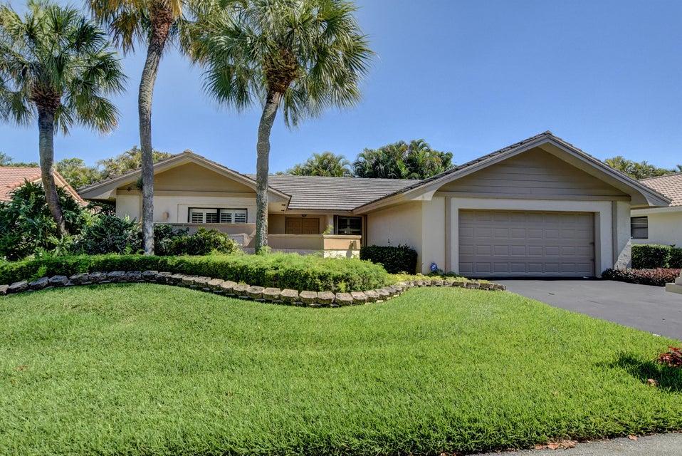 6874 Villas Drive West, Boca Raton, FL 33433