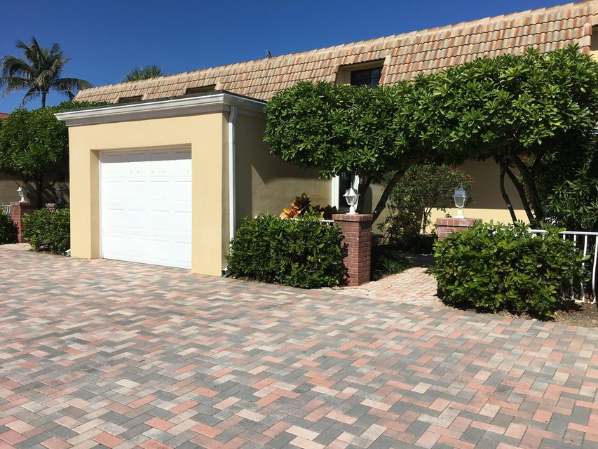 Townhouse for Sale at 5720 Old Ocean Boulevard 5720 Old Ocean Boulevard Ocean Ridge, Florida 33435 United States