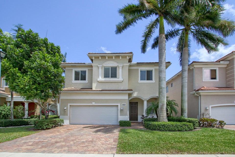 8022 Tangelo Drive, Boynton Beach, FL 33436