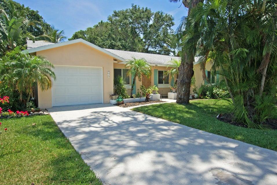 386 Evergreen Avenue, Tequesta, FL 33469