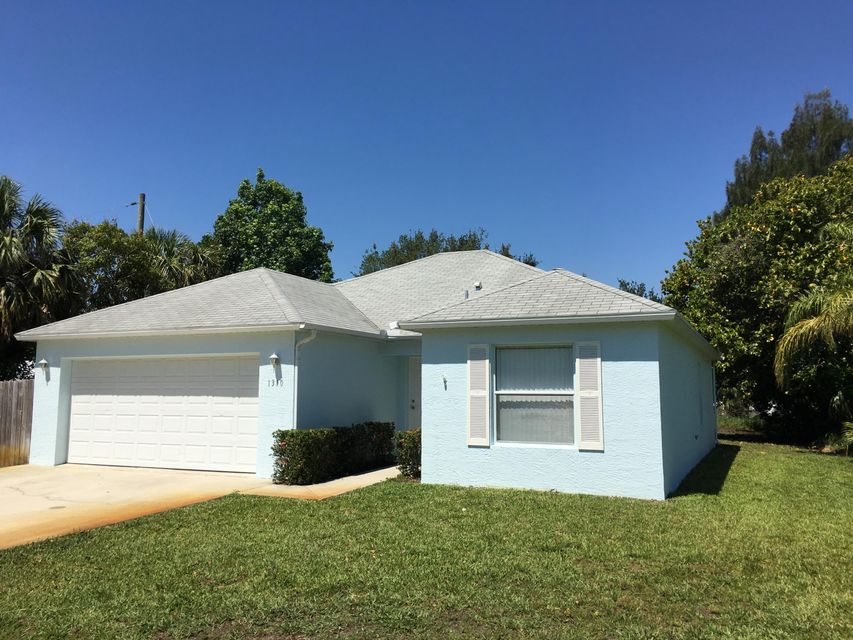 1310 NE Oak Lane Drive, Jensen Beach, FL 34957