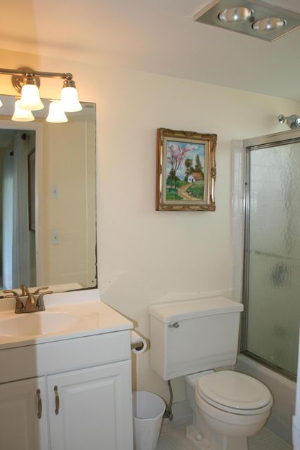Additional photo for property listing at 2050 NE 39th Street 2050 NE 39th Street Lighthouse Point, Florida 33064 Estados Unidos