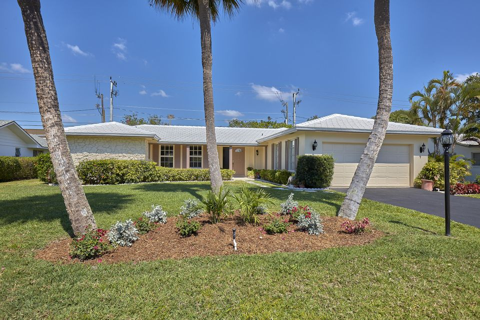 House for Sale at 11583 Landing Place North Palm Beach, Florida 33408 United States