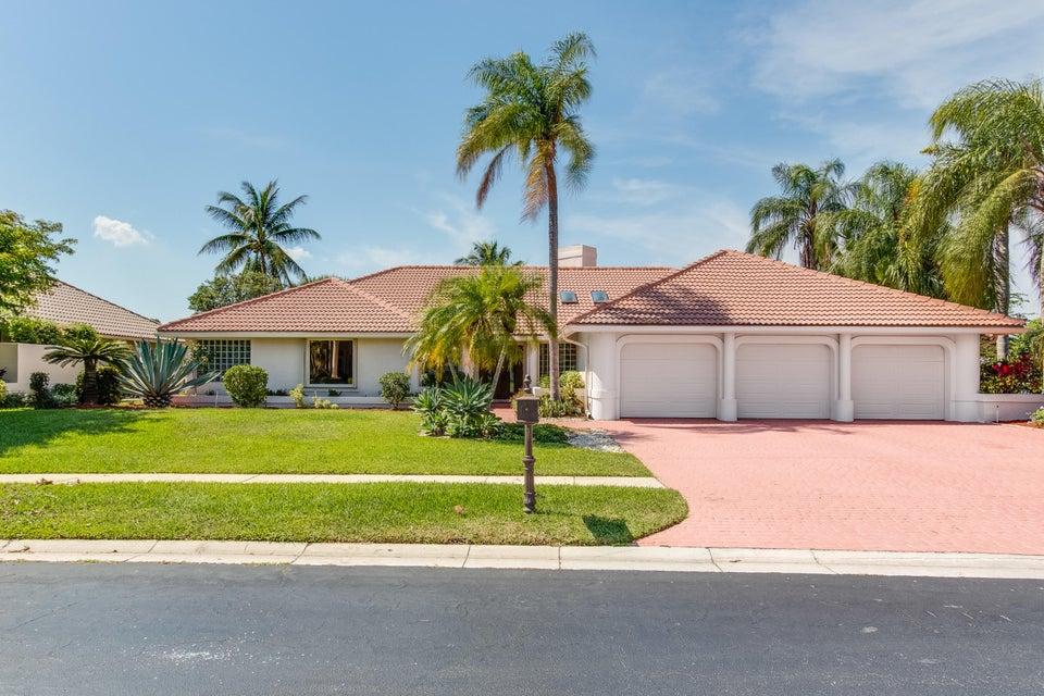 House for Sale at 6806 Newport Lake Circle Boca Raton, Florida 33496 United States